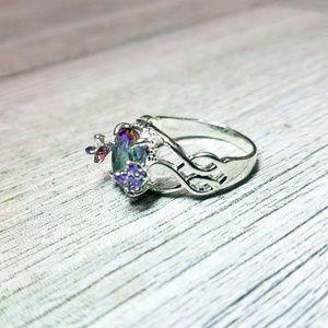 Gorgeous elvish iridescent ring
